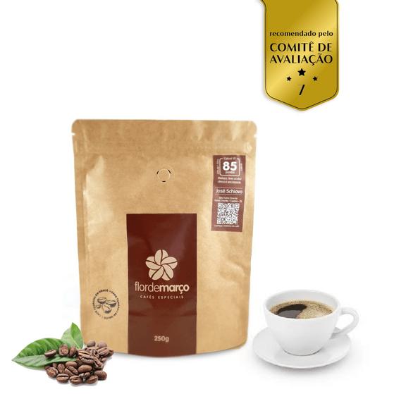 Café-catuai-85-pontos_flor-de-marco